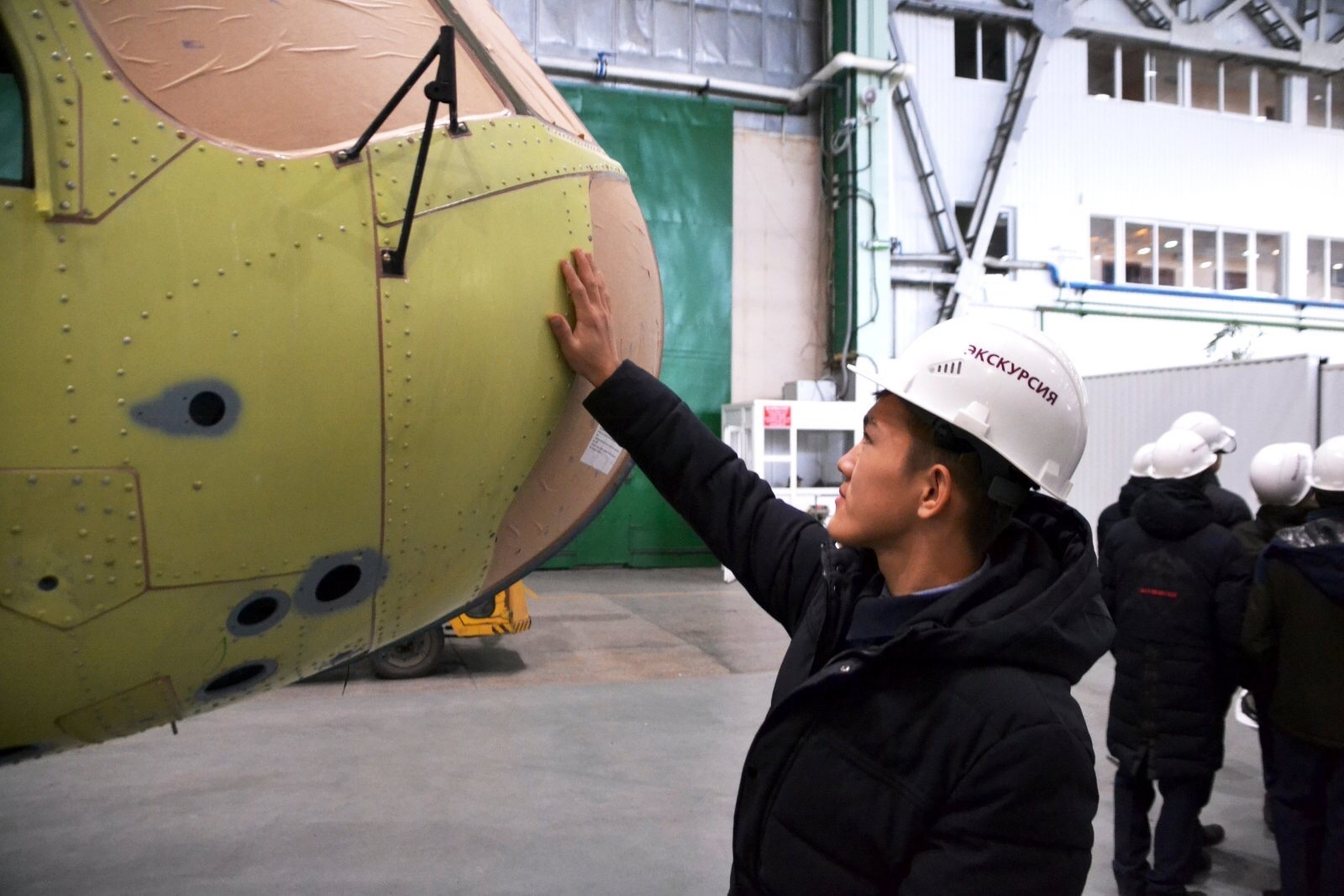 Наши первокурсники на экскурсии по АО «Улан-Удэнский авиационный завод»